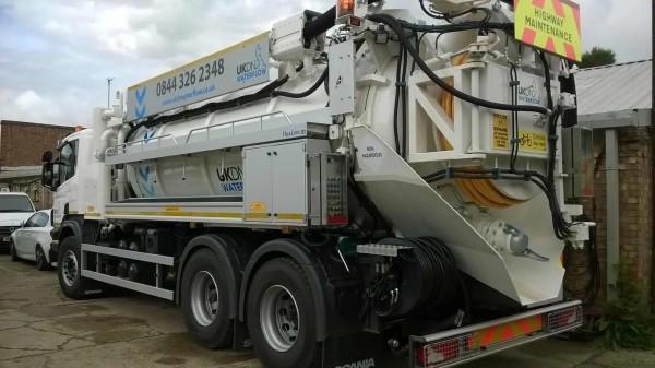 Jet vac truck