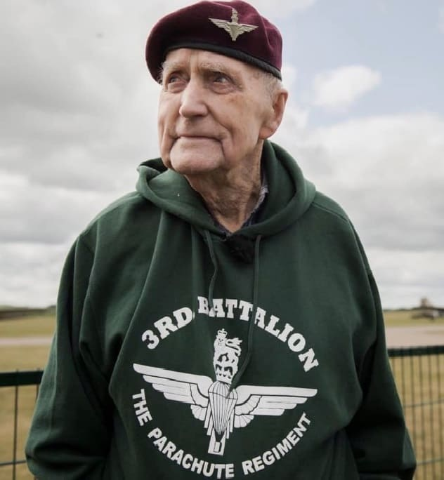 Jock Hutton wearing 3rd Para fleece given by Ian